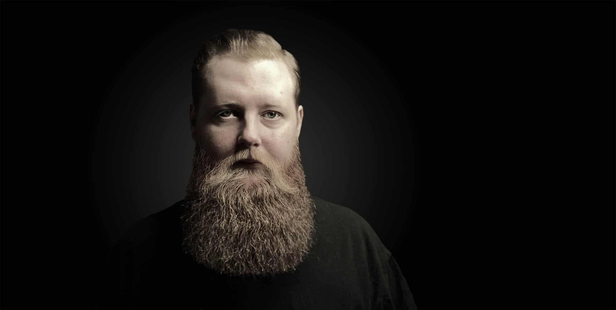 Hombre con barba - Barbería Bearbero